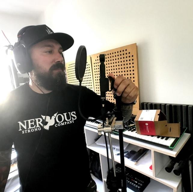 """Jotuze po 15 latach dogrywa zwrotkę do """"Rap Robię""""!"""